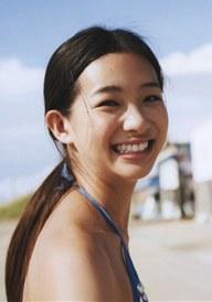 足立梨花-Rika Adachi