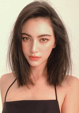 黛薇卡·霍内 Davika Hoorne
