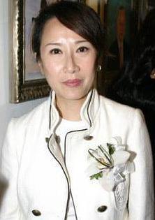 吕珊 Rosanne Lui